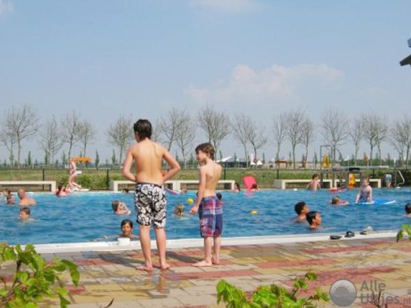 Zwembad de estafette alle uitjes voordeeluitjes nederland